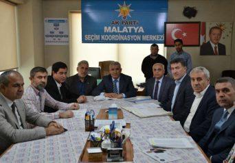Güder, ziyaretlerinde 31 Mart'ta gerçekleştirilecek olan Mahalli İdareler Seçimleri'nin önemine değinerek, yapacakları çalışmaları anlattı.