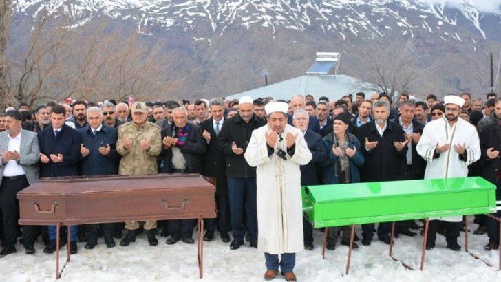 Vali Baruş Pütürge'de Yaşamını Yitiren Aktaşların Cenaze Merasimine Katıldı