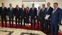 Türkiye Belediyeler Birliğine üye bazı Belediye Başkanları Maliye Bakanı Berat Albayrak'ı ziyaret ettiler.