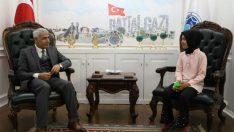 Battalgazi Belediye Başkanı Güder, 5. Sınıf Öğrencisi Buse Hakverdi'nin Sorularını Yanıtladı