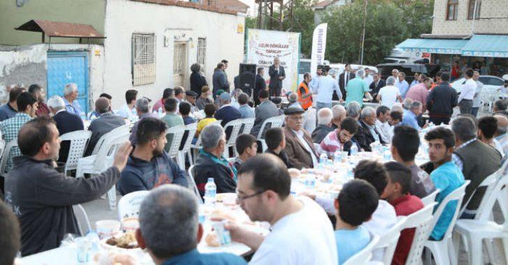 Battalgazi Belediye Başkanı Osman Güder, Taştepe Mahallesi sakinleri ile iftar yemeğinde bir araya geldi