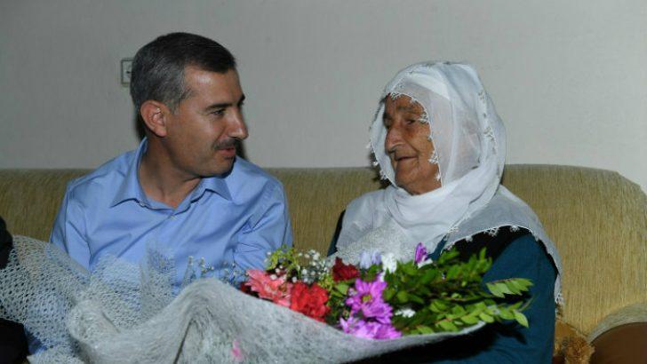 Annelerimiz, Hayattaki Kılavuzumuz, Yol Göstericimizdir
