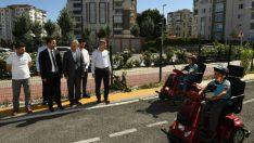 Trafik Haftası nedeniyle,  İlkokul öğrencilerine trafik kurallarını anlattılar.