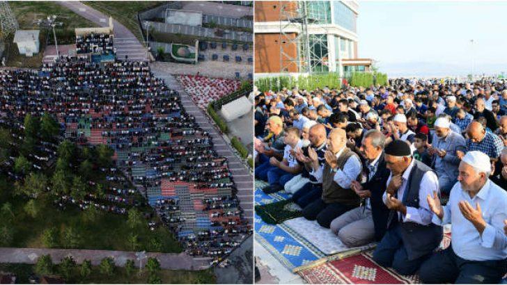 Gedik Namazgâh, Ramazan Bayramı namazında yine doldu taştı.
