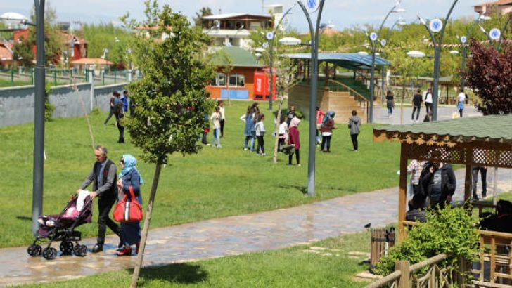 Battalgazi Belediyesi tarafından hizmete sunulan Orduzu Galip Demirel Çınar Park, vatandaşlar tarafından yoğun ilgi görüyor