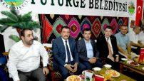 Malatya Büyükşehir Belediye Başkanı Selahattin Gürkan Mişmiş Park fuar alanını ziyaret edip, Selahattin Alpay konserini izledi.