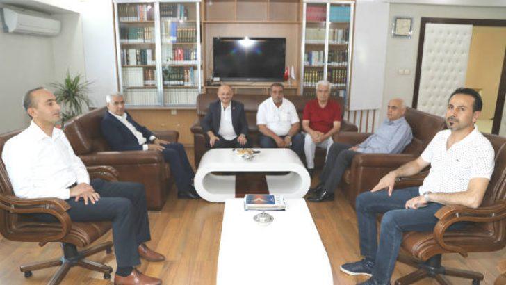 Battalgazi Belediye Başkanı Osman Güder, Malatya İl Müftüsü Veysel Işıldar'a hayırlı olsun ziyaretinde bulundu. @battalgazibeltr @osmangudertr #malatya
