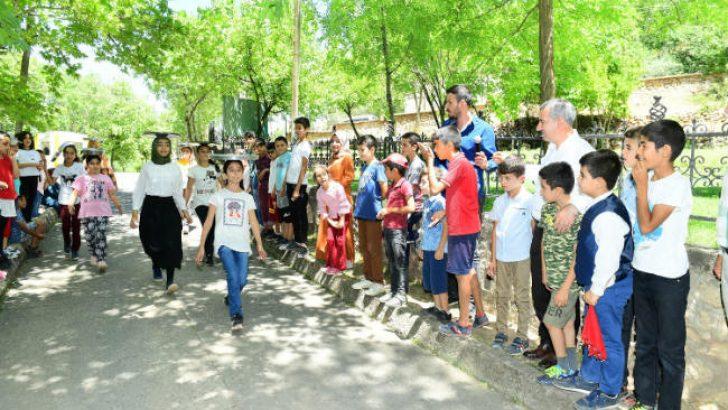 """Başkan Çınar, """"Temel hedefimiz; çocuklarımıza yaşanabilir bir Yeşilyurt'u miras bırakmaktır"""" dedi."""