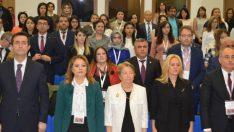 """Rektör Karabulut, """"Anadolu'nun bin yıllık geleneksel tıbbını bilimsel olarak ayağa kaldırmalıyız"""""""