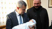 """""""Her Bebek, Dünyaya Umutla Bakmamıza Neden Oluyor"""""""