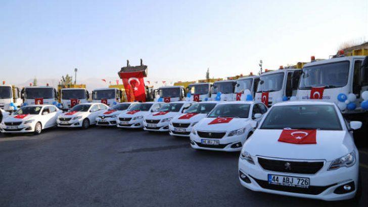 Battalgazi Belediyesi, 75 aracı düzenlenen törenle hizmete sundu.