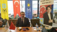 İYİ Parti Malatya İl Başkanı Gökmen Kenan Özdal, yönetim kurulu üyeleri basın mensupları ile kahvaltıda buluştu .
