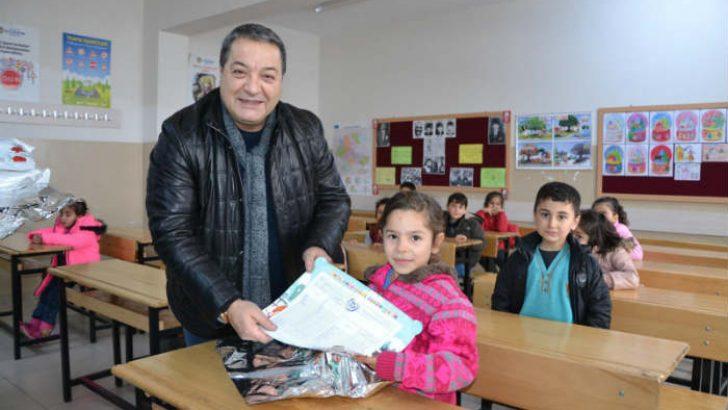 Fendoğlu İlkokulu ve ortaokulu öğrencilerinin karne sevinçlerine ortak oldu.