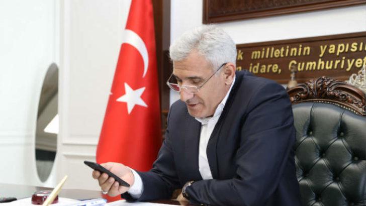 Güder, yaşlı vatandaşları telefonla arayarak destek oldu.