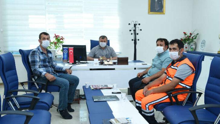Battalgazi Belediyesi'nde çalışan temizlik görevlisi Ferhat Karabağ'dan örnek davranış