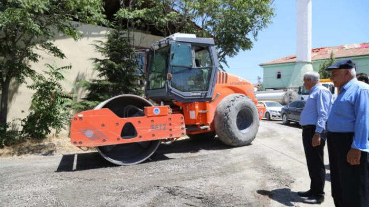 Battalgazi Belediyesi, ilçe genelinde yol yapım, bakım ve onarım çalışmalarını sürdürüyor