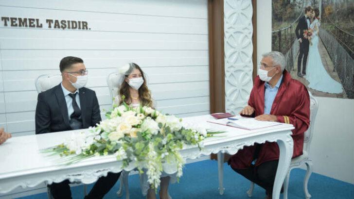 11 Mart'tan bugüne kadar toplam 973 çiftin nikahı kıyıldı