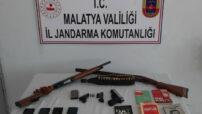 Malatya'da Jandarma Terör örgütü propagandasıyapan şahıslara operasyon düzenledi