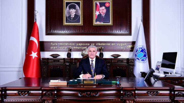 Battalgazi Belediye Başkanı Osman Güder, 24 Kasım Öğretmenler Günü dolayısıyla kutlama mesajı yayımlandı