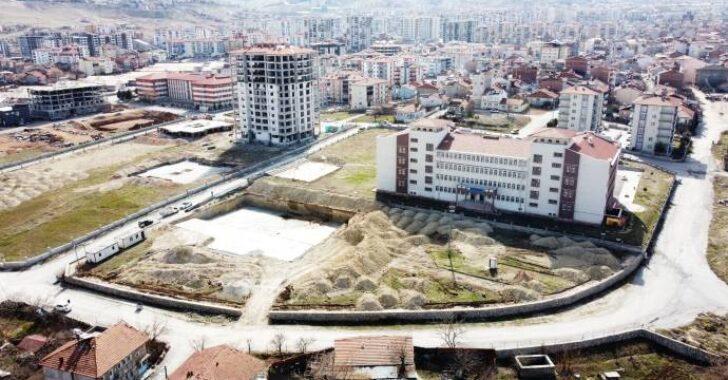 Yarı Olimpik Yüzme Havuzu' projesi için ilk kazma vuruldu