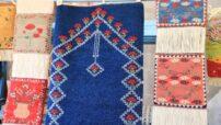 Kervansaray'ında açılan Halı Dokuma kursu ile kadınlar hem meslek öğreniyor hem de ev ekonomilerine katkı sağlıyorlar.